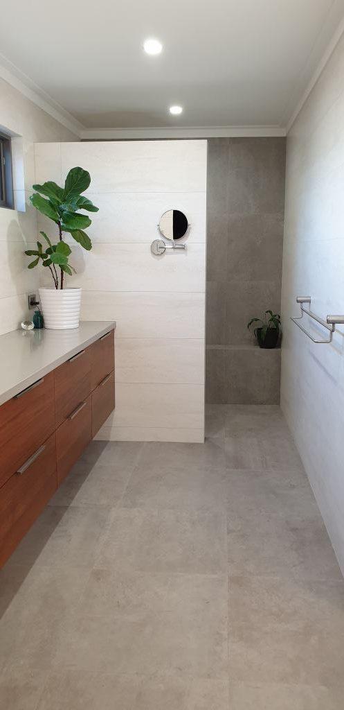 Easy care walk in shower